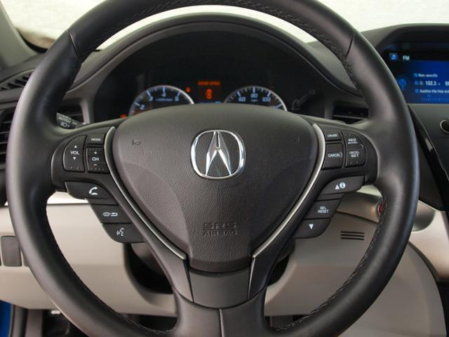 Certified Pre-Owned 2018 Acura ILX with Premium Package